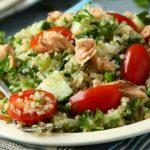 Salada quente de quinoa e salmão