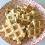 Pataniscas de bacalhau (disfarçadas de waffles) – Paleo
