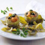 Alcachofras recheadas com tomate e azeitonas