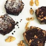 Cupcake de chocolate preto com proteína
