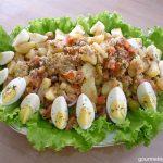 Salada de atum com ovos