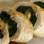 Arroz de peru fumado com cogumelos e espinafres