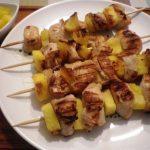Espetada de peru com ananás