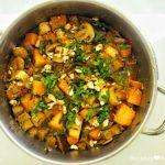 Grão no tacho com legumes e caril