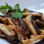 Cogumelos grelhados