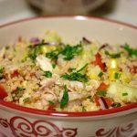 Salada de frango com cuscus e lima