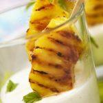 Abacaxi grelhado com iogurte natural