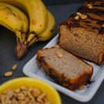 Bolo de banana e amendoim