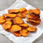 Chips de batata-doce no forno