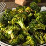 Snack de brócolos ao forno
