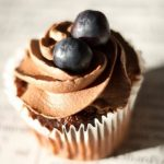 Cupcakes de chocolate e mirtilos